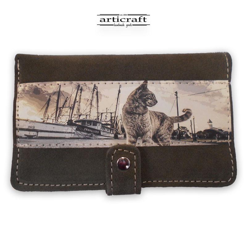 """Γυναικείο πορτοφόλι καστόρι λαδί """"Γάτα"""" (Α506)"""