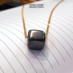 Handmade necklace cube (Ε274)